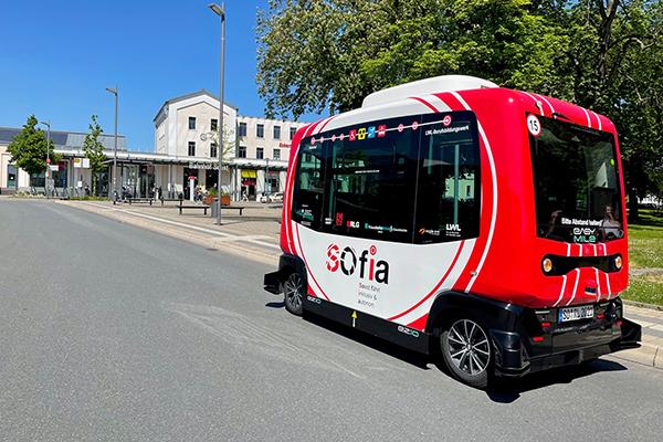 Read more about the article SOfia hat schon mehr als 200 Fahrten sehr gut gemeistert. Das hochaustomatisierte Shuttle ist seit dem 7. Juli in Soest unterwegs.